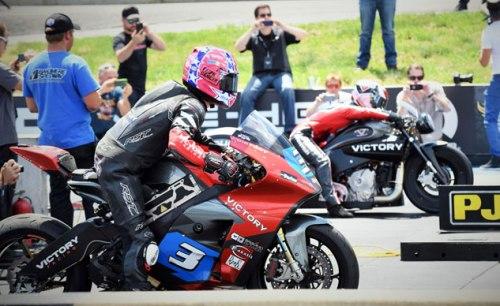 070815-victory-tt-zero-electric-racer-dragstrip-f